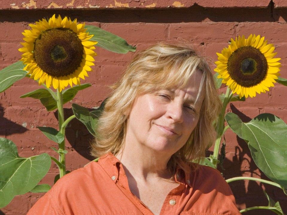 Kelly Thompson author photo